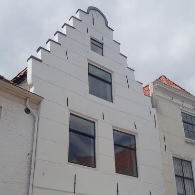 Bestrijken voorgevel monumentaal pand Middelburg